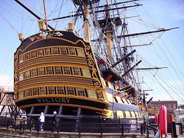 Maqueta de barco H.S.M. Victory de artesanía náutica para la decoración marinera